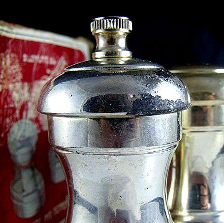 Leonard Salt n Pepper Shakers