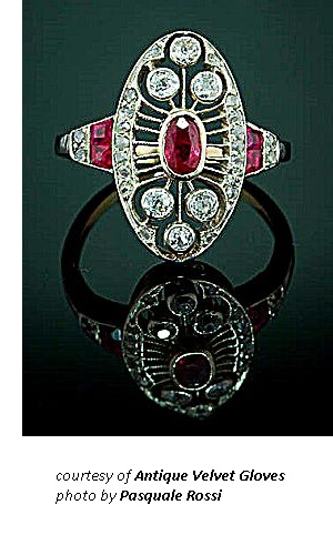Victorian Old World Ring